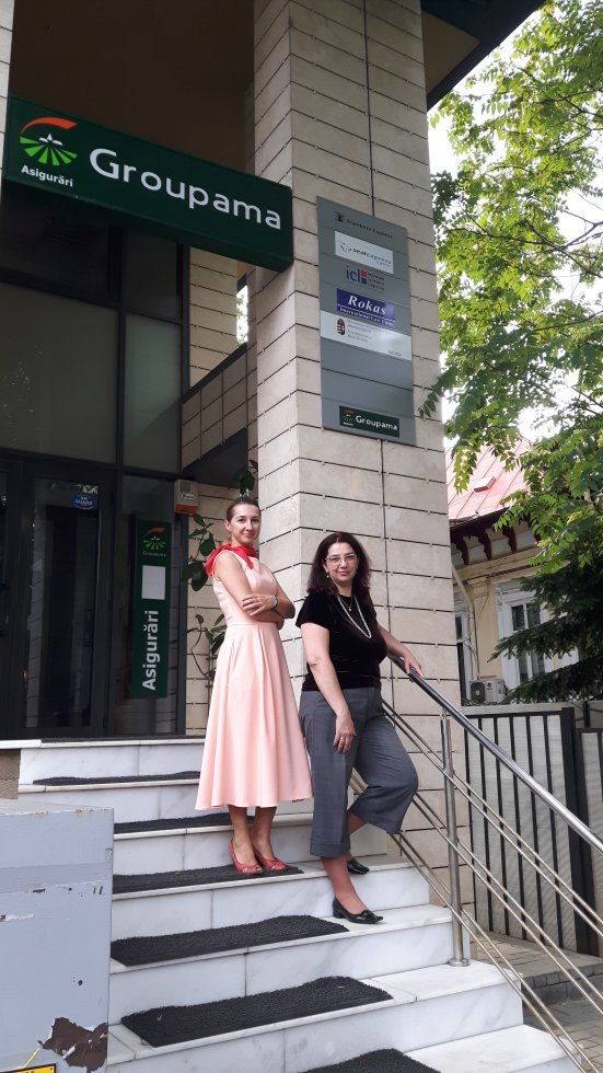 Ioana and Andreea in front of the ICL Romania office